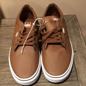 Men's brown leather lace up Vans size 11 NWT